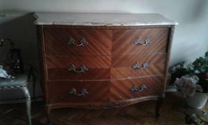 Juego de dormitorio estilo Luis XV con mármol