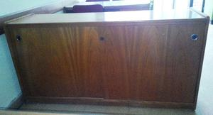 Mueble bajo de Roble