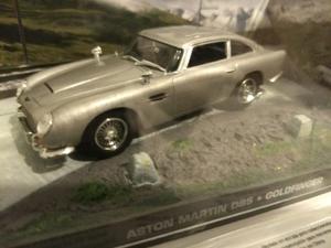 Aston Martin Db5 - James Bond 007 - Goldfinger. Escala 1 /43