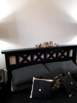 Juego de dormitorio madera masiza laqueado en negro
