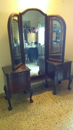 antiguo vestidor estilo chippendale