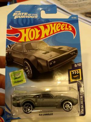 Auto Dodge Charger de Rápido y furioso - hotwheels original