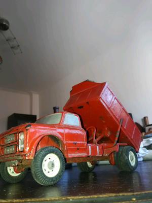 Camion volcador Duravit antiguo