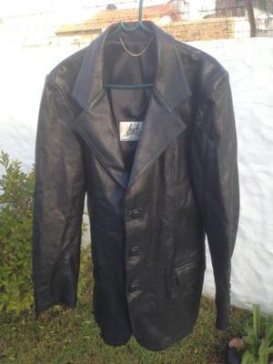 Campera de Cuero Negro Blazer