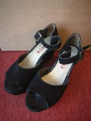 Sandalias negras Nro 37