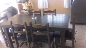 Vendo mesa de madera con sillas