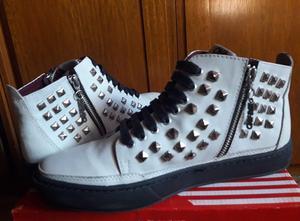 Zapatillas de Cuero con tachas!!!!