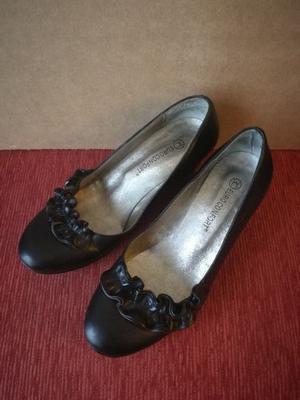 Zapato ballerina negro con taco chino Nro 37