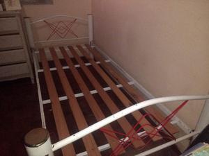 camas tipo cuchetas una sobre otra o separadas se pueden