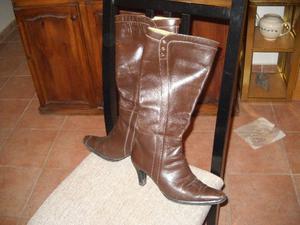 vendo botas cuero marrón nro 38 caña alta