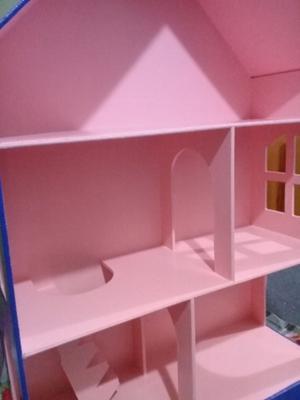 Casa de muñecas con muebles NUEVA