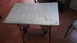 Mesa de marmol con pie maquina de coser