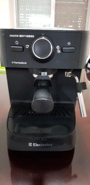 Vendo Cafetera usada Electrolux Aroma Espresso