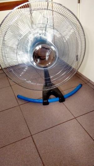 Vendo ventilador de pie sin uso