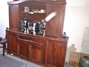Mueble d algarrobo en excelente estado, cajones y gabinetes