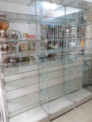 Vendo 2 estanterías de vidrio y espejo1.80 x 2.00
