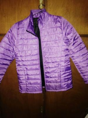 vendo campera violeta inflable casi sin uso