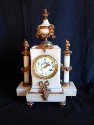 Antiguo Reloj Frances En Marmol Y Bronceria De Sobre Mesa