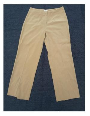Pantalon invierno. Color beige. Ted Bodin. Talle 46. Mujer.
