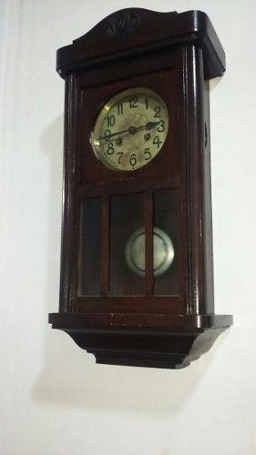 Reloj De Pendulo De Pared Con Campanas Marca Junghans