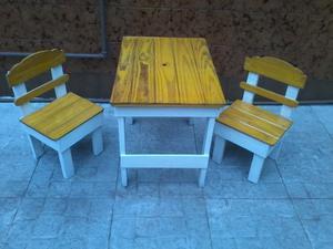 mesita y sillas de niño