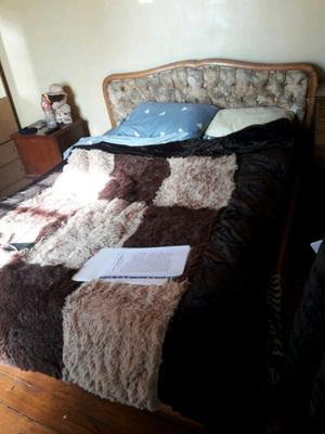 Vendo cama de madera en excelente estado!!!