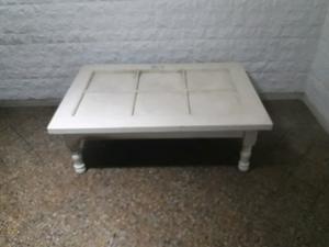 Vendo mesa ratona de madera