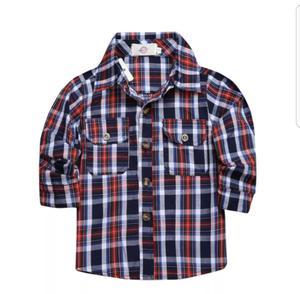 Jeans, camisa y remera
