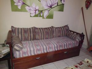 Sillon divan Cama marinera con cinco almohadones y dos