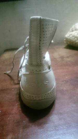 Vendo botas y zapas