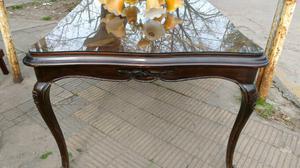 antigua mesa de estilo en madera de cedro