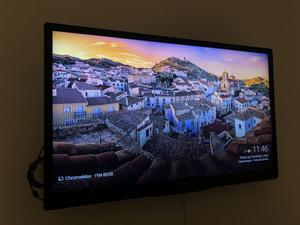 """Televisor LED Philips 32"""" Full Hd Usado igual a nuevo"""