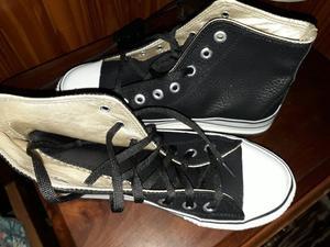 Vendo Zapatillas Botita sin uso