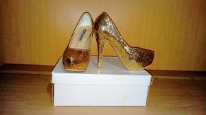 Zapato stiletto con un solo uso