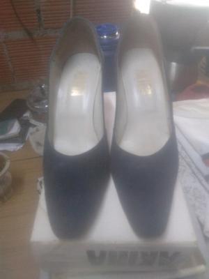 Zapatos de cuero y gamuza