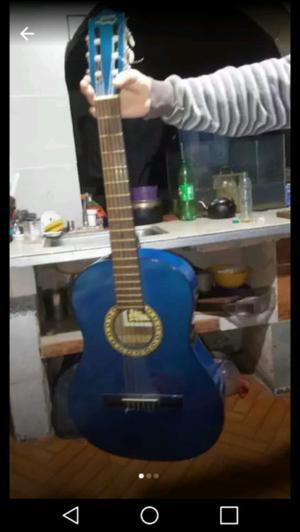 Guitarra gracia semi nueva
