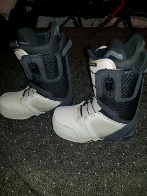 Vendo urgente botas de snowboard burton