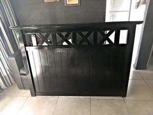 Juego de dormitorio 2 plazas laqueado negro con herrajes de