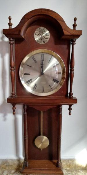 Reloj Antiguo Pared Con Péndulo