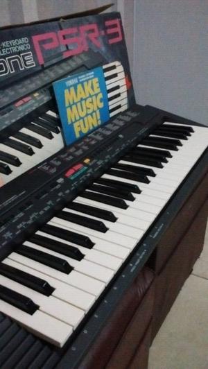 Teclado Yamaha de 4 octavas impecable en caja