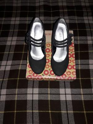 Vendo zapatos con plataforma negros número 40