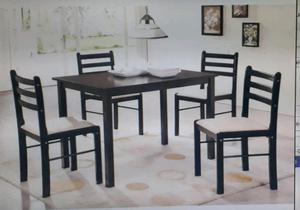 Juego de mesa + 4 sillas de madera.