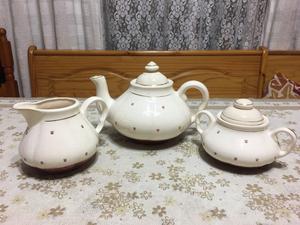 Servicio de Te de tres piezas de cerámica