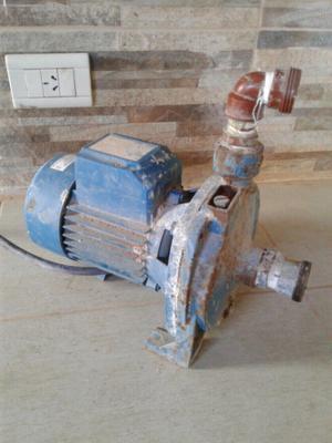 Bomba de agua centrifuga