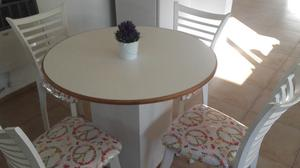 hermosa mesa usasa mdf con 4 sillas de madera