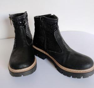 Vendo botas Negras Lorena Bs. As Talle 35