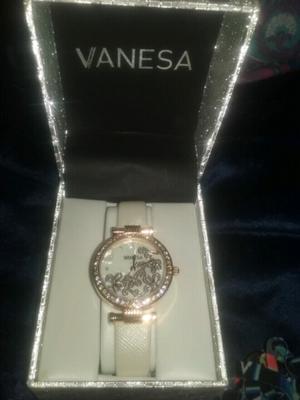 Reloj Vanesa Durán