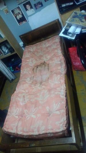 Vendo Cama 1 plaza con colchón. plegable¡¡