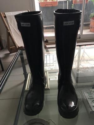 Vendo botas de lluvia nuevas