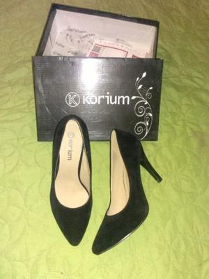 zapatos de gamuza negro
